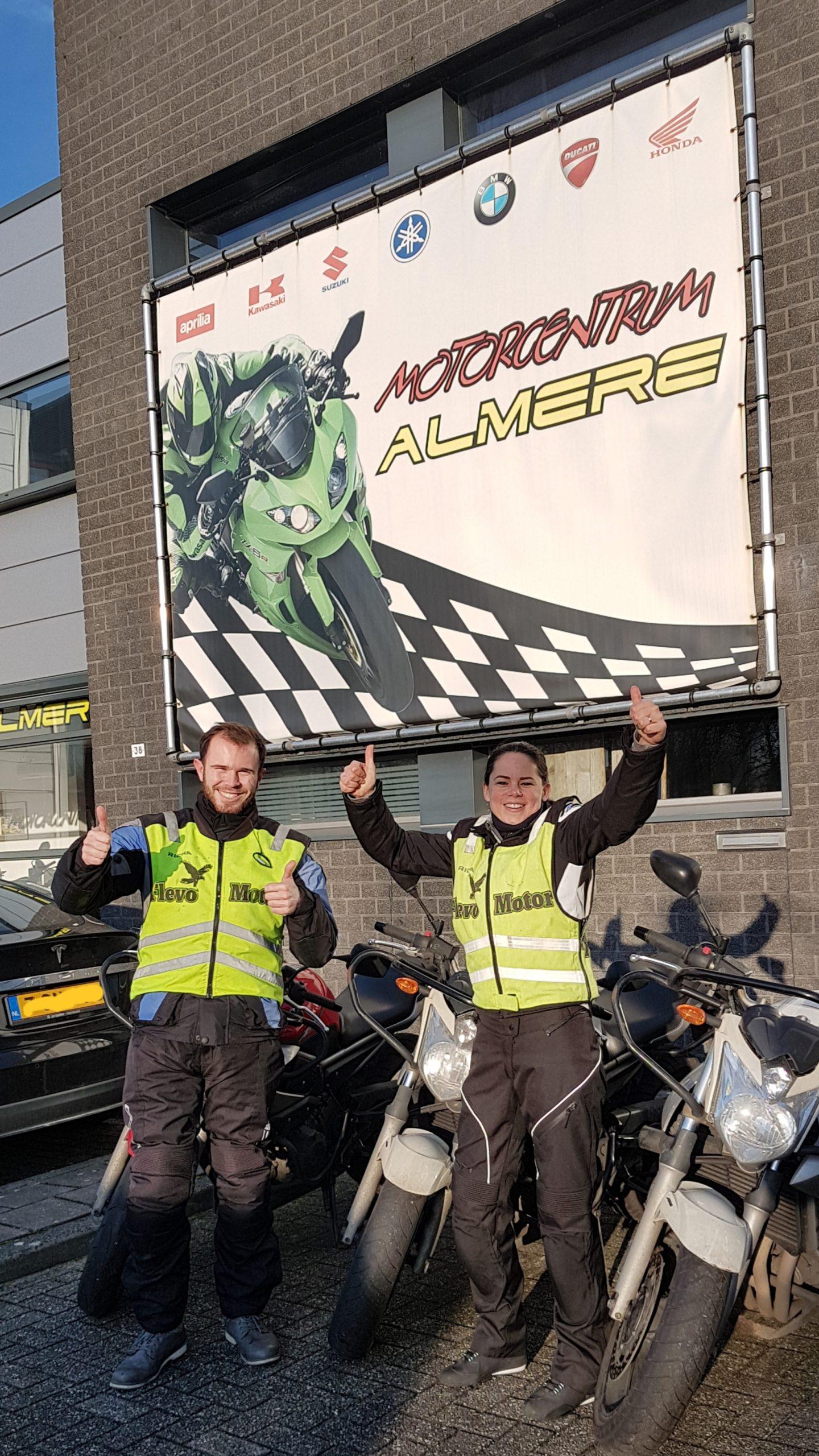 e Scooterrijbewijs in een dag! Dat kan bij Bromfietsrijbewijs Almere! kom je uit Naarden Muiderberg Amsterdam of Weesp of uit Bussum je bent van harte welkom!