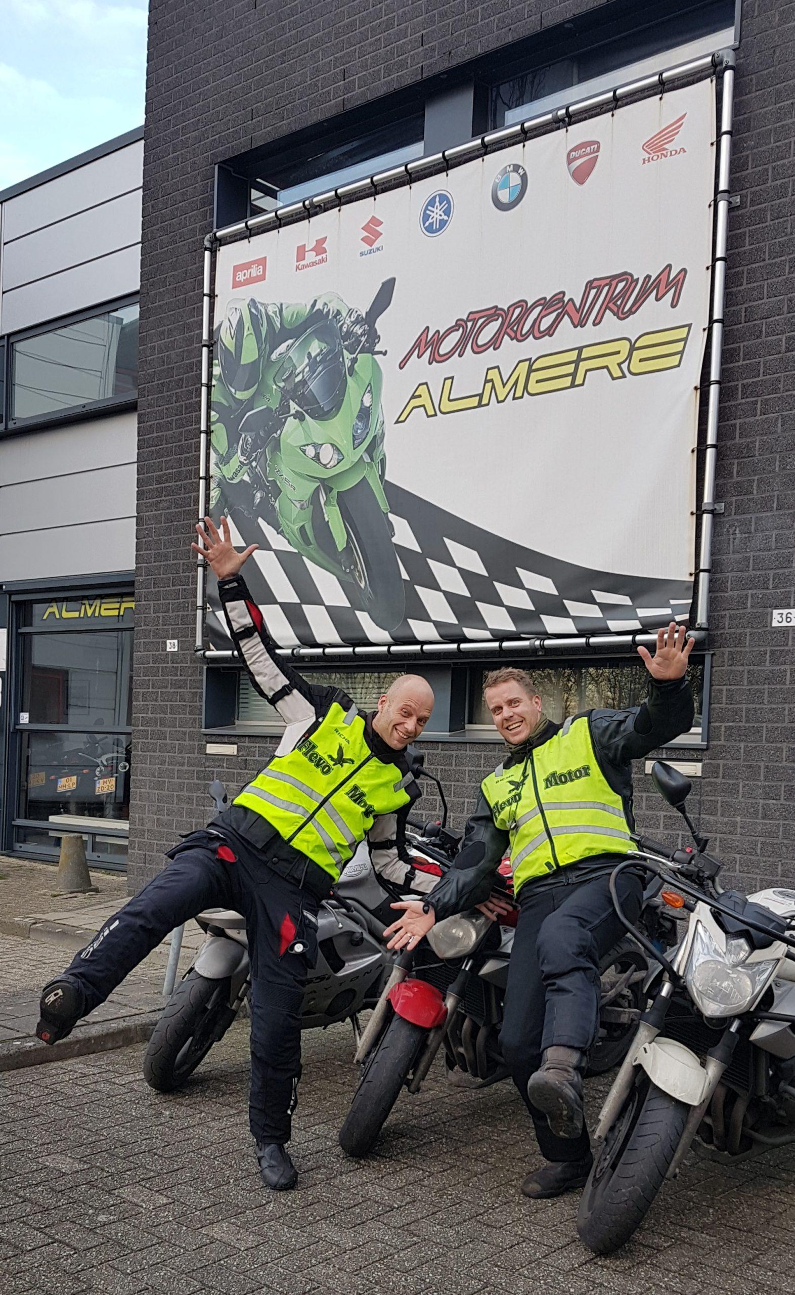 Je Scooterrijbewijs in een dag! Dat kan bij Bromfietsrijbewijs Almere! kom je uit Naarden Muiderberg Amsterdam of Weesp of uit Bussum je bent van harte welkom!